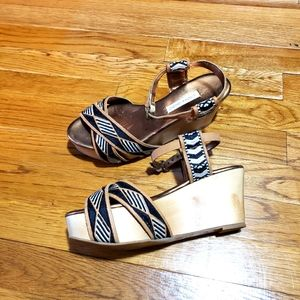 Cynthia Vincent wood wedges. Size 6